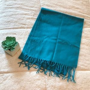 Accessories - Soft turquoise scarf - LIKE NEW